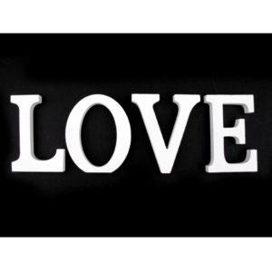 3D písmenka bílé LOVE