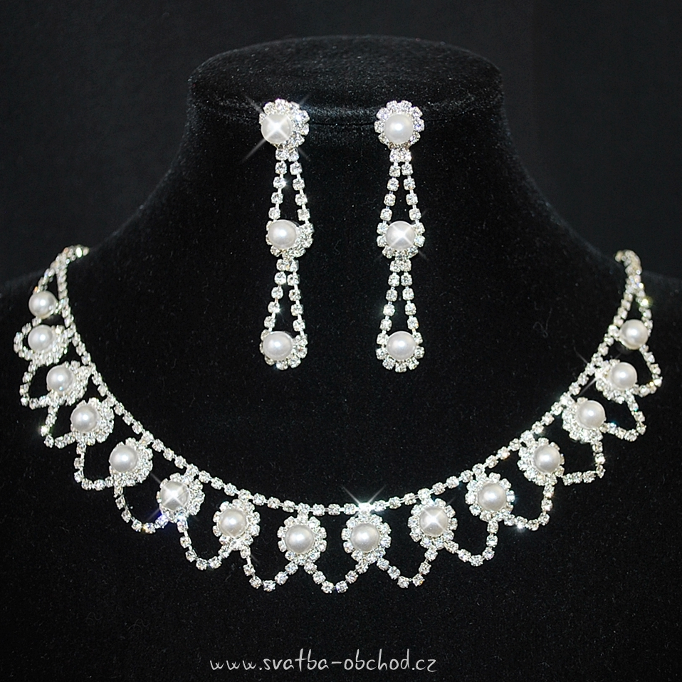 b1a2ea580 Náhrdelník 404 bílé perličky Facebook instagram