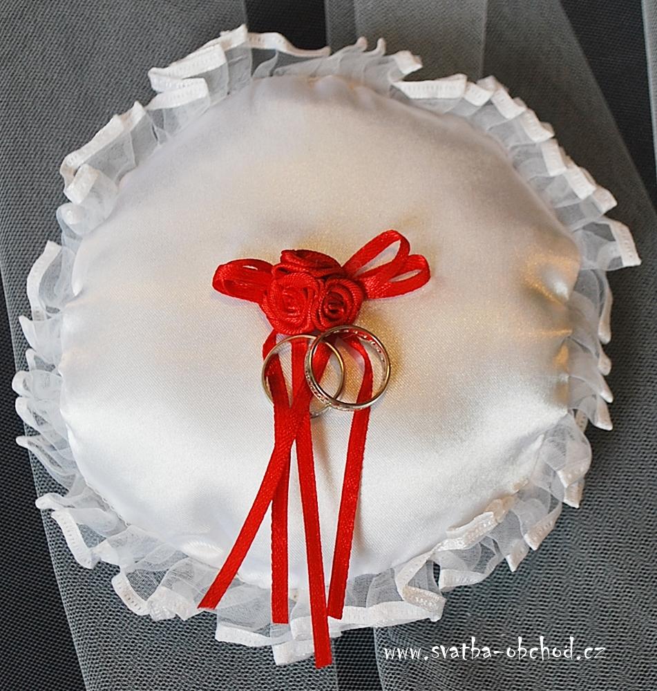 ,svatba,nevěsta,prsteny,snubní,zásnubní,polštářek,svatební,výzdoba,ženich,výzdoba,prsten,svatba,nevěsta,svatební šaty, nevěsta,svatba,svatební,