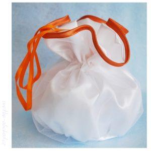 Pompadurka bílá 21 oranžová