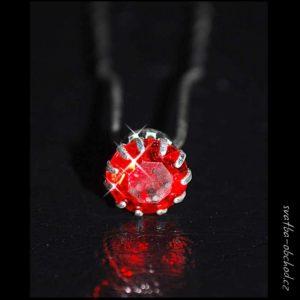 Vlásenka 011 červený kamínek