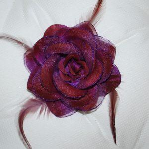 Růže 09 tmavě fialová s peříčky 9cm
