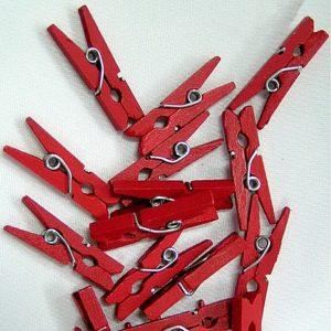 Kolíček 04 dřevěný červený