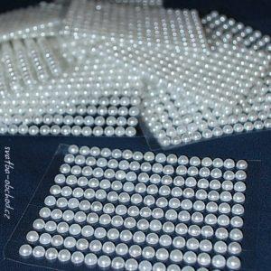 Nalepovací perličky 02 bílé