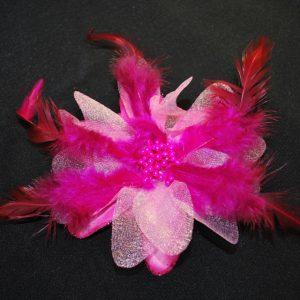 Růže 08 fuchsiová s peříčky 9cm