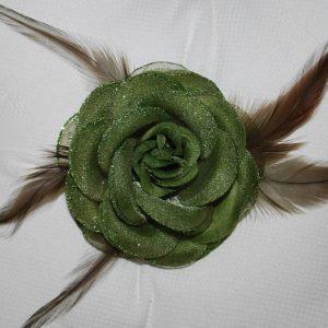 Růže 09 tmavě zelená s peříčky 9cm