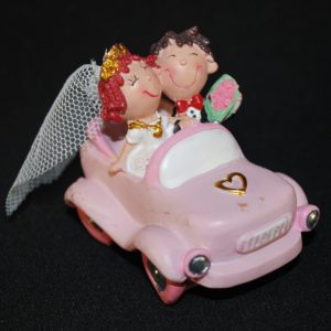 Svatební pár v autíčku 89